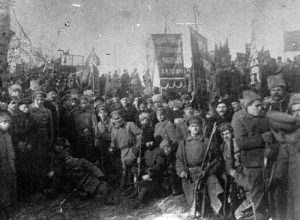 In January 1918 armed Ukrainian workers stage a heroic revolt in support of the advancing Soviet Red Army. By unflinchingly opposing the Great Russian chauvinism that had subjugated the Ukrainian people in capitalist Russia, the Bolsheviks were able to build the revolutionary unity of the Russian and Ukrainian masses and ensure the triumph of Soviet forces in Ukraine.