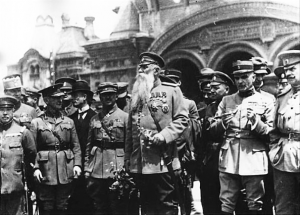 After the October 1917 workers' revolution in Russia, the deposed capitalists and world capitalist powers joined together to organise a bloody civil war to attempt to overthrow the new socialist-based system. Right: Officers from Western imperialist powers meet with representatives of counter-revolutionary Russian leader Alexander Kolchak.